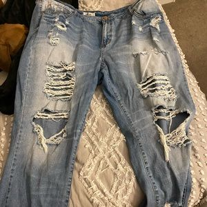 Distressed high raised refuge jeans. Size 20.